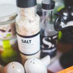 druska-prieskoniai-stalas