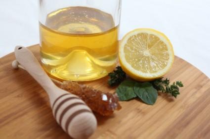 Natūraliai stiprinti imunitetą padeda ne tik medus ir citrina