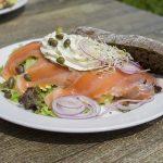 salmon-lasisa-darzoves-duona-lekste